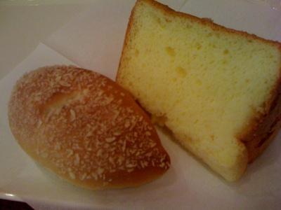 カフェ・ド・ぶぅらんじぇ 神戸ハーバーランド店のシフォンケーキ