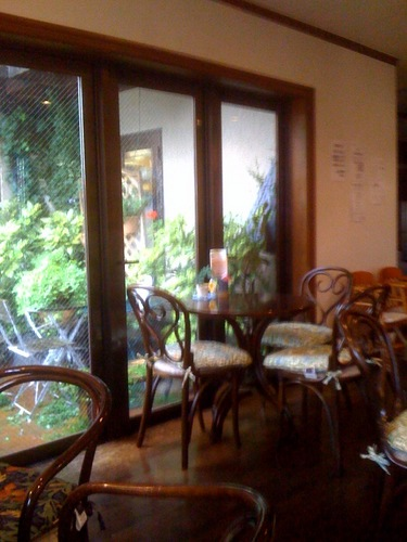 カーベカイザー2階カフェ