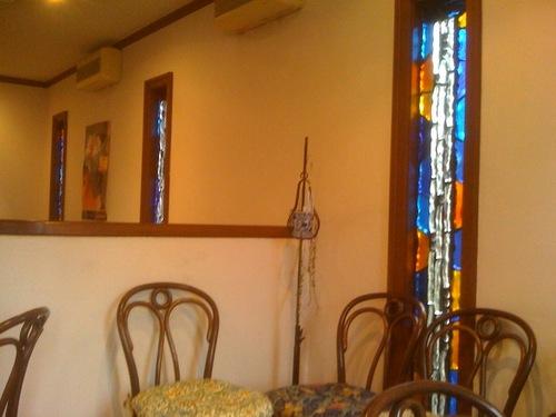 カーべカイザーのカフェのステンドグラス